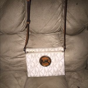 EUC MK CROSSBODY PURSE
